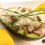 Tunča salāti avokado pusītē