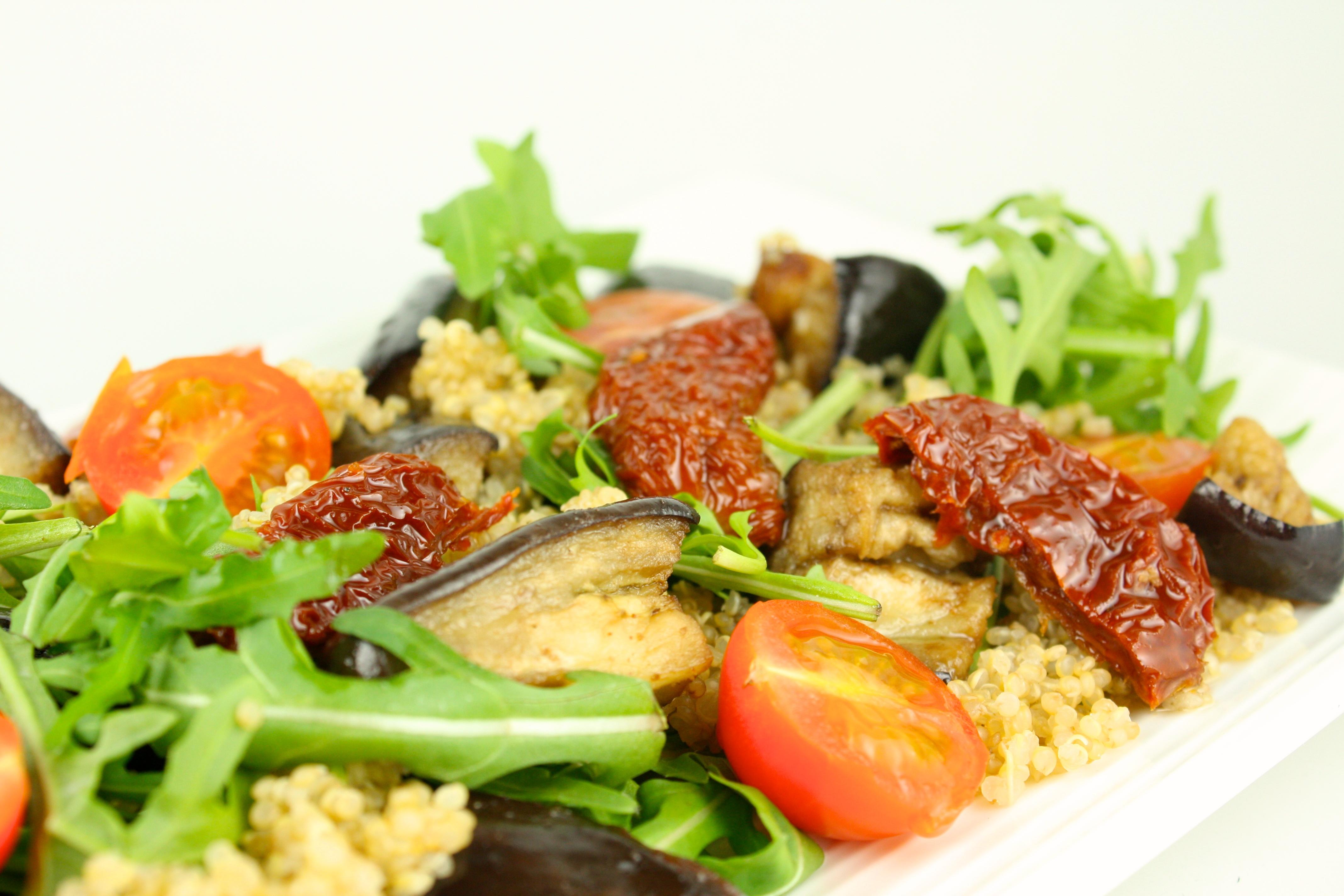Baklazanu salati ar kvinoju2