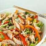 Nūdeļu salāti ar vistu taizemiešu gaumē