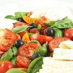 Tomātu un mocarellas salāti (Insalata caprese)
