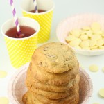 Baltās šokolādes un pekanriekstu cepumi