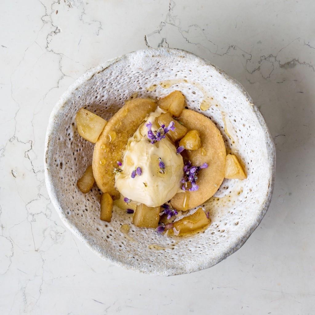 priežu-medus saldējums / skābais ābols / lavender