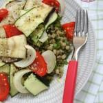 Siltie Vidusjūras salāti ar zaļajām 'mung' pupiņām