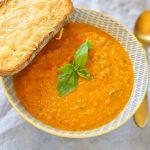 Kabaču un tomātu zupa