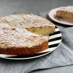 Ātrā mandeļu un citronu kūka