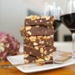 Lazdu riekstu un šokolādes mīkstā karamele ('fudge')